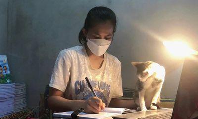 Cô giáo tình nguyện vào khu cách ly chăm sóc học trò