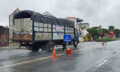 Dừng kiểm tra giấy tờ, người dân tự do vào Hà Nội tại các chốt cửa ngõ