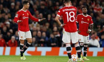 Vì sao Ronaldo nổi điên, mắng đồng đội Man Utd không biết xấu hổ?
