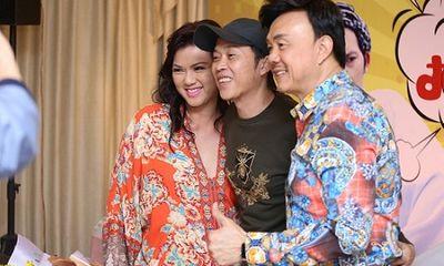 Tin tức giải trí mới nhất ngày 27/5: Vợ cố nghệ sĩ Chí Tài đăng ảnh làm từ thiện, gửi lời cảm ơn đến NSƯT Hoài Linh