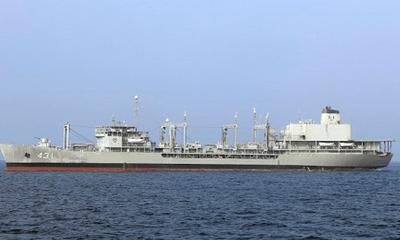 Tàu chiến lớn nhất Iran bất ngờ bốc cháy rồi chìm xuống biển, mọi nỗ lực cứu trợ thất bại