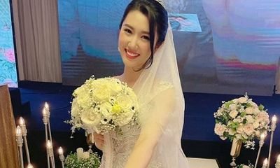 Tin tức giải trí mới nhất ngày 9/6: Thúy Ngân rộn ràng khoe nhan sắc ngọt ngào trong ảnh cưới