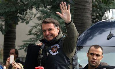 Tổng thống Brazil bị phạt hơn 100 USD vì không đeo khẩu trang
