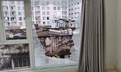 TP. HCM: Điều tra vụ căn nhà ở quận 1 liên tục bị bắn vỡ kính cửa sổ