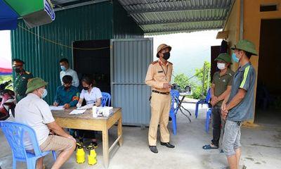 Hạ Long: Xử phạt 2 người băng rừng trốn chốt kiểm soát chống dịch COVID-19