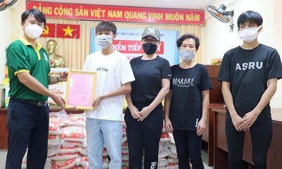 Tin tức giải trí mới nhất ngày 14/7: Hậu ồn ào, Phi Nhung bất ngờ lộ ảnh đi làm từ thiện cùng Hồ Văn Cường