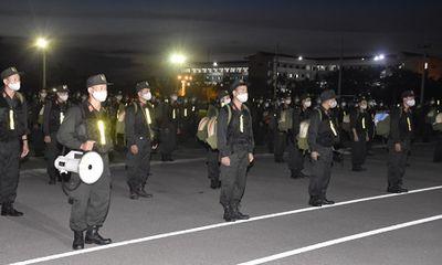 Điều 250 cảnh sát cơ động vào Bình Dương chống dịch COVID-19
