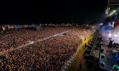 Gần 5.000 người nhiễm COVID-19 sau khi tham gia lễ hội âm nhạc ở Anh