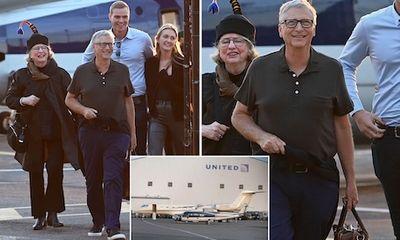 Tỷ phú Bill Gates đi máy bay trực thăng đến dự đám cưới con gái