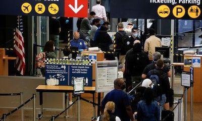Từ 8/11, Mỹ cho phép du khách nước ngoài đã tiêm vaccine ngừa COVID-19 nhập cảnh