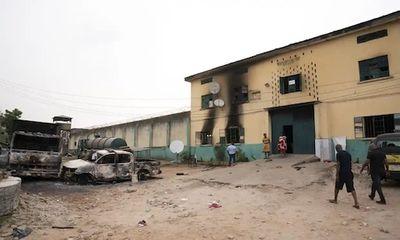 Các tay súng Nigeria tấn công nhà tù, 575 tù nhân mất tích