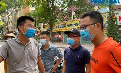 """""""Đội bốc vác 0 đồng"""" miệt mài giữa trưa hè tiếp sức cho tâm dịch Bắc Giang"""
