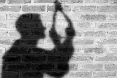 Kinh hãi phát hiện nam thanh niên chết trong tư thế treo cổ ở phòng trọ