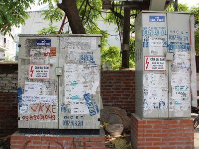 Chùm ảnh: Quảng cáo, rao vặt lem nhem khắp Thủ đô