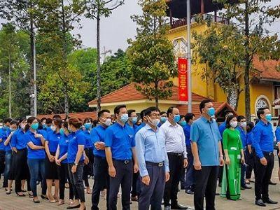 Đoàn thanh niên hội Luật gia Việt Nam viếng Lăng Chủ tịch Hồ Chí Minh