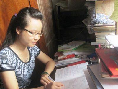 Niềm vui của cô học trò nghèo thi đỗ Học viện Khoa học Quân sự