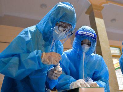 Nghệ An phát hiện 8 ca dương tính với SARS-CoV-2 sau khi xét nghiệm nhanh trong cộng đồng