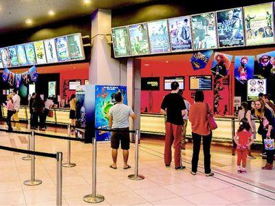 Bộ VH-TTDL: Rạp chiếu phim có thể hoạt động 50% công suất ở địa bàn dịch cấp độ 2