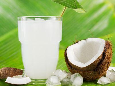 8 tác dụng phụ của nước dừa không phải ai cũng biết