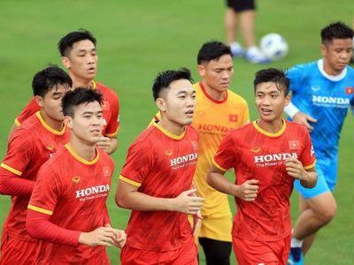 """Đội tuyển Việt Nam nhận dự đoán bất lợi trước trận """"chạm trán"""" Trung Quốc"""