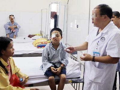 Tin tức đời sống ngày 25/9: Bệnh nhi bỏng giác mạc do bị điếu thuốc đang cháy chọc vào mắt