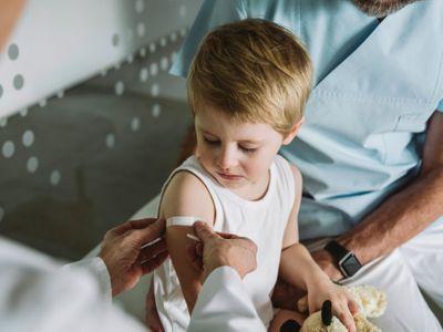 Vaccine Pfizer cho trẻ dưới 12 tuổi: Cha mẹ cần biết điều gì?