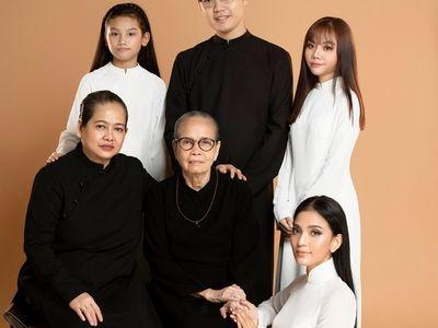 Trương Thị May khoe ảnh cùng hai người phụ nữ quan trọng nhất cuộc đời nhân dịp 20/10