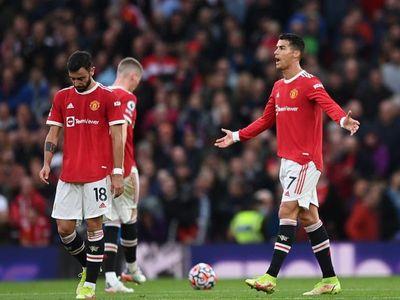 Huyền thoại Rio Ferdinand nói gì khi Man United thua trắng Liverpool 5 bàn?