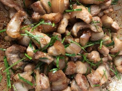 Thịt ba chỉ rang lá chanh, món ăn vừa dễ làm lại cực đưa cơm