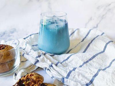 Cách pha chế trà hoa đậu biếc thơm ngọt tan chảy đầu lưỡi
