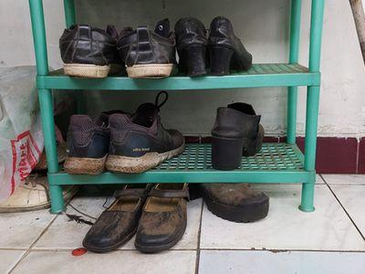Trắng tay vì chấn thương đúng mùa dịch, ông bố xin đổi giày