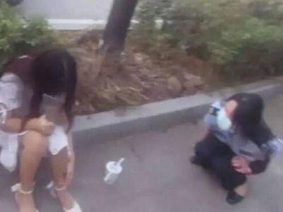 Nữ cảnh sát đổi trà sữa lấy con dao trong tay cô gái quẫn trí được dân mạng tán thưởng rần rần