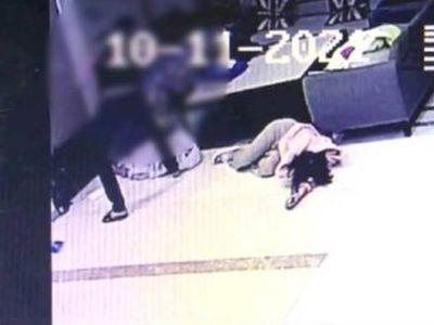 Truy tìm bạn gái ngoại tình, thanh niên phá nát xe Mercedes, đánh đập tàn bạo nhân viên khách sạn