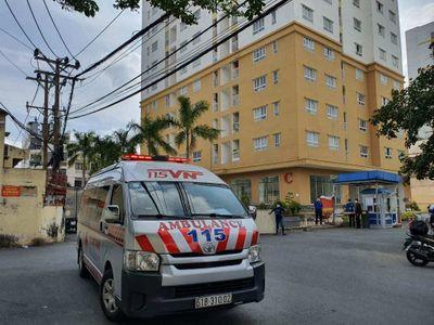 Điều tra vụ người đàn ông rơi từ tầng 19 chung cư xuống tử vong ở TP.HCM