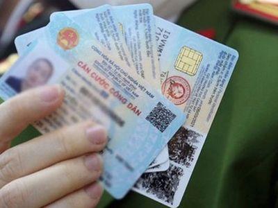 Người dân dùng giấy tờ gì để thay thế trong khi chờ cấp thẻ CCCD gắn chip?