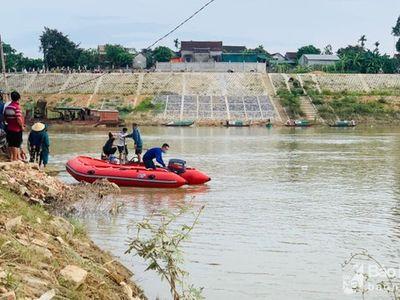 Vụ người phụ nữ để lại 3 con nhỏ rồi nhảy cầu ở Nghệ An: Tìm thấy thi thể nạn nhân