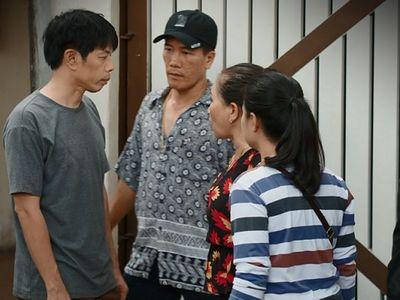 Cây Táo Nở Hoa tập 50: Dư bỏ nhà đi theo xã hội đen, Ngọc bị chủ nợ đánh đập thê thảm