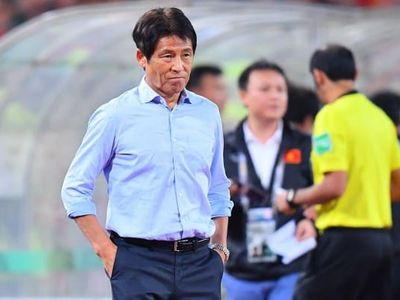 Thái Lan mất tiền tỷ để đền bù hợp đồng cho HLV Nishino