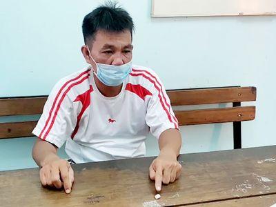 An Giang: Đi mua ma túy đá, người đàn ông bị phạt 2 triệu đồng vì ra ngoài không cần thiết