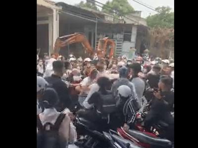Đắk Lắk: Xác minh video ghi lại cảnh nhóm học sinh THPT