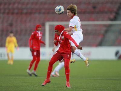 Tuyển nữ Việt Nam thắng cách biệt 16-0 trước tuyển nữ Maldives, HLV Mai Đức Chung nói gì?