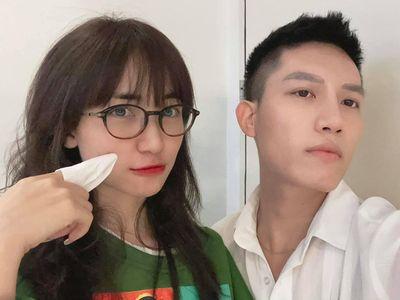 Anh Tú (The Voice) đăng ảnh khoe tóc mới, Hoà Minzy vào bình luận một câu khiến chính chủ phải