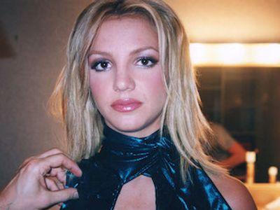Phim tài liệu mới hé lộ chuyện Britney Sprears từng bị cha mình theo dõi điện thoại