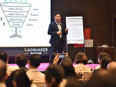 """CEO Hoàng Bá Tầu bật mí về chiến lược """"hệ thống bán hàng tự động"""""""
