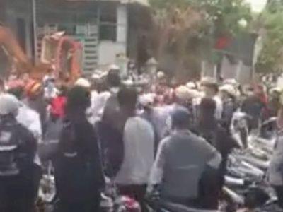 Công an vào cuộc vụ học sinh đánh nhau trước cổng trường tại Đắk Lắk
