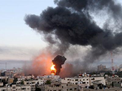 Căng thẳng leo thang, Israel không kích phòng xét nghiệm COVID-19 duy nhất tại Dải Gaza