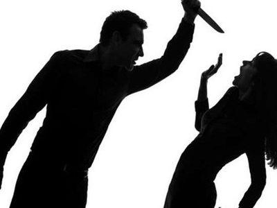 Mâu thuẫn trong bữa cơm, chồng dùng dao đâm vợ tử vong