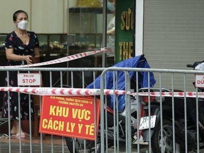 Hà Nội: Phát hiện người đàn ông nhiễm COVID-19 tử vong trong tư thế treo cổ ở Trần Nhân Tông