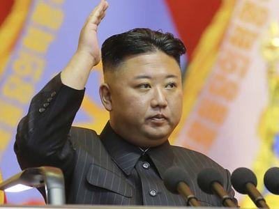 Triều Tiên phóng 'vũ khí không xác định' ra biển Nhật Bản