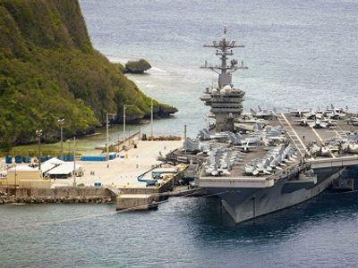 Hải quân Mỹ buộc xuất ngũ quân nhân từ chối tiêm vaccine phòng COVID-19